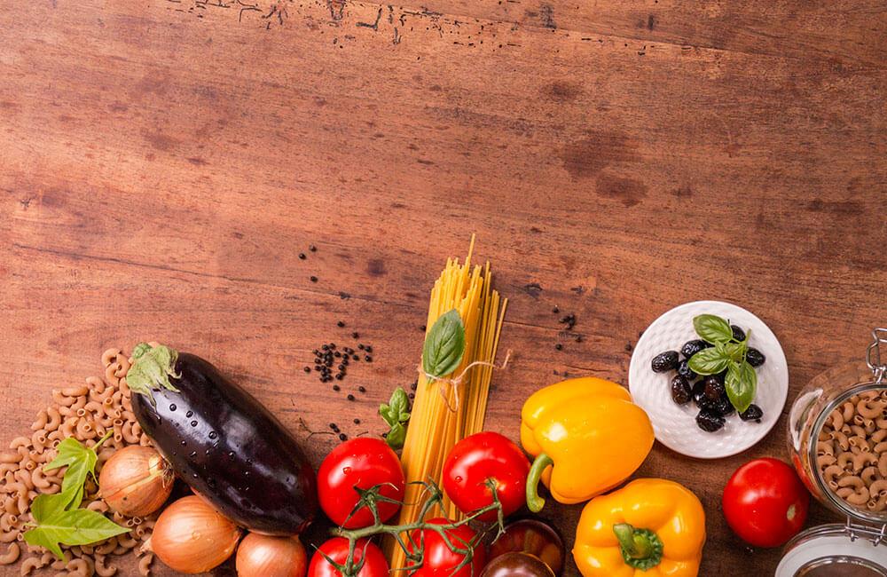 Come cambiare la nostra alimentazione per vivere meglio. Un'intervista a Franco Berrino